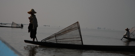 One legged boat rower in Inle.